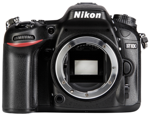 Nikon D 7100 Body + SD 16GB